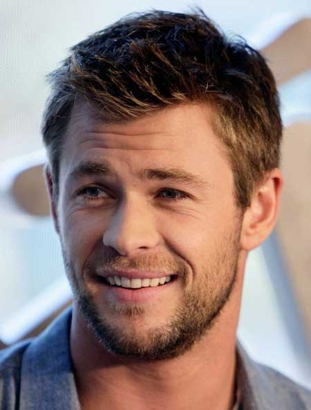 Chris Hemsworth natural hair color