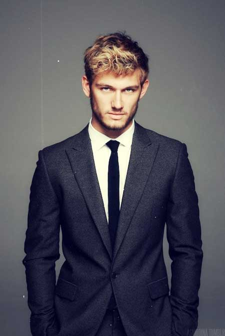 Trendy mens curly haircuts