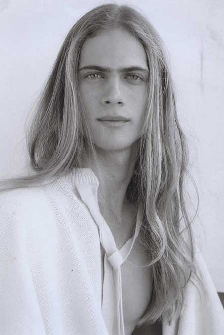 Men very long hair style