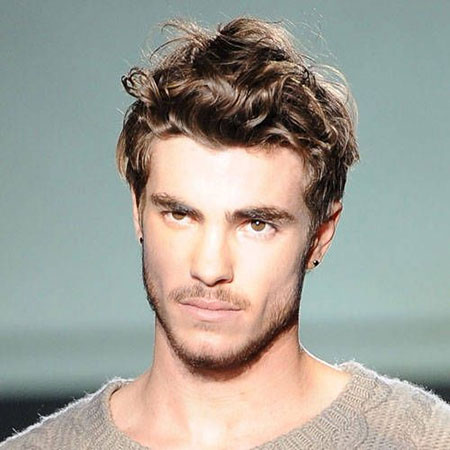 Cool Curly Hairstyles for Men_11