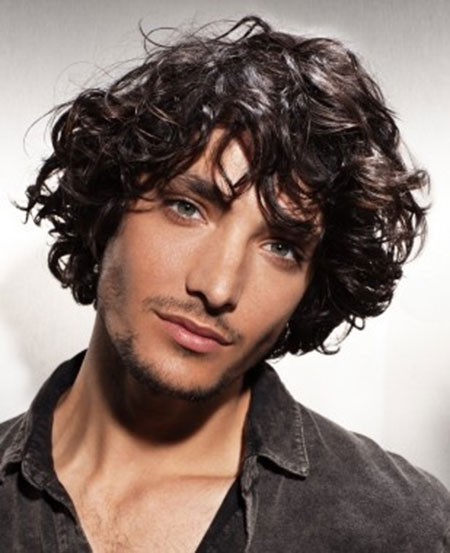 Cool Curly Hairstyles for Men_14