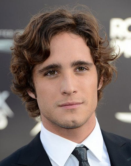 Cool Curly Hairstyles for Men_8
