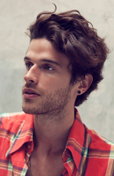 Crinkly Hair Styles: Short Wavy Hairstyles For Men