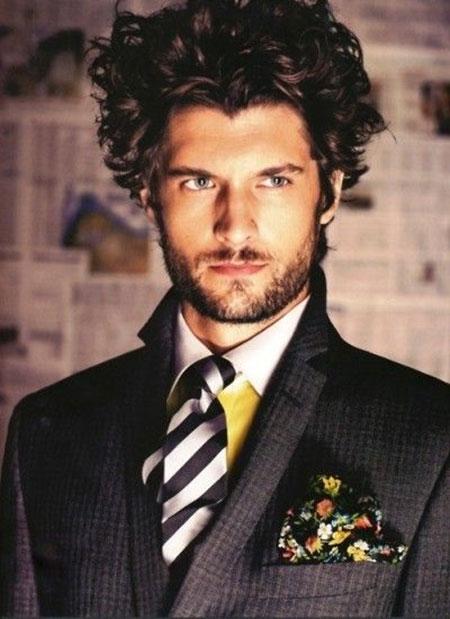 Curly Hair Styles Men_15