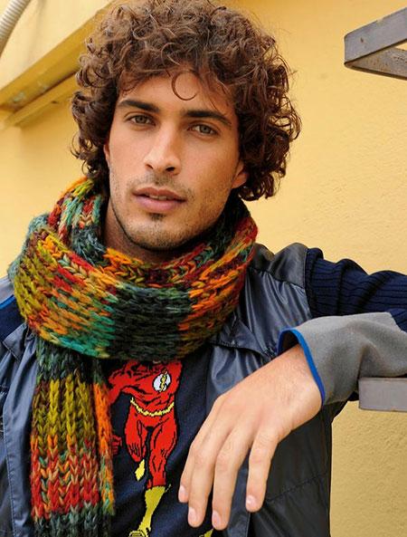 Curly Hair Styles Men_19