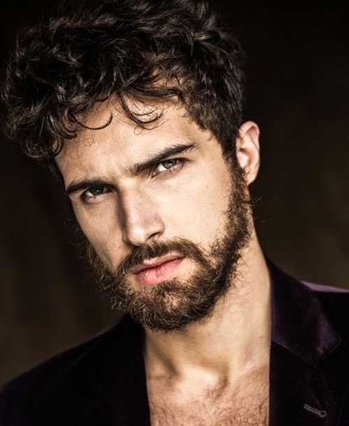 Messy Beard with Curly Hair: