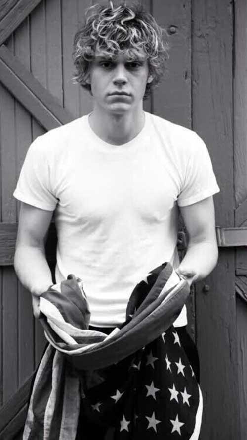 Evan Peters Hairstyles