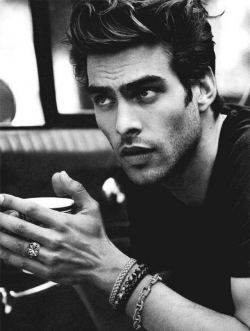 Jon Kortajarena Hairstyles for Thick Wavy Hair Women