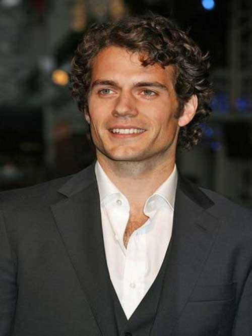 Henry Cavill Hairstyle for Curly Men Hair
