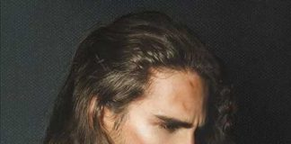 Douglas Hickmann Long Hairstyle Men