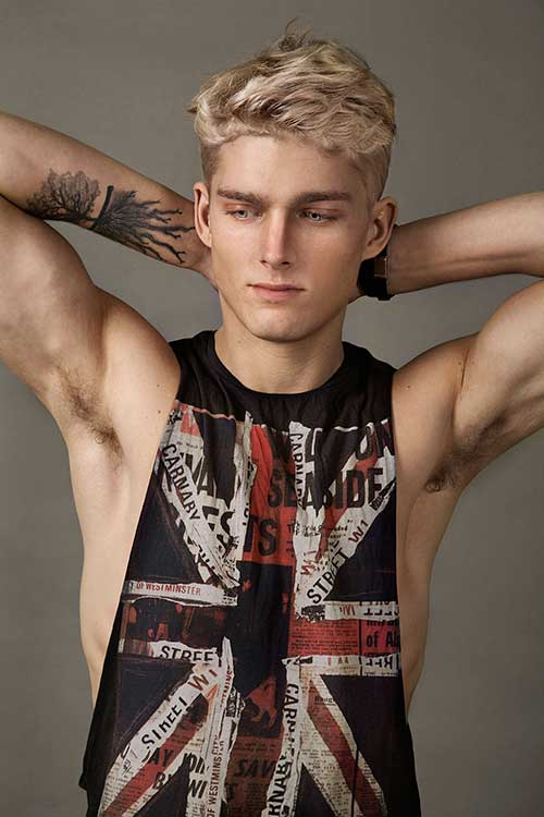 Nicklas Kingo Blonde Trendy Hair