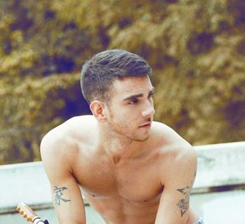 Cool Short Haircuts for Guys-11