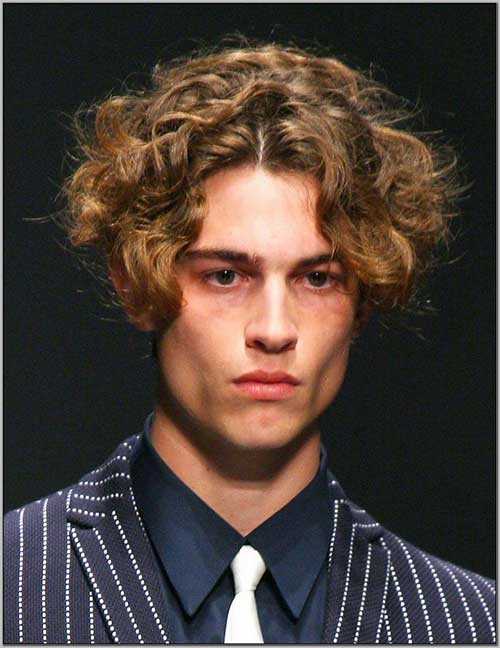Short Curly Hairstyles for Men-13