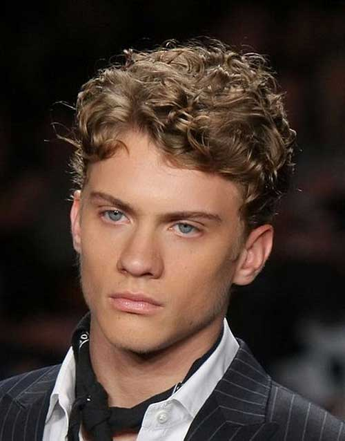 Short Curly Hairstyles for Men-20