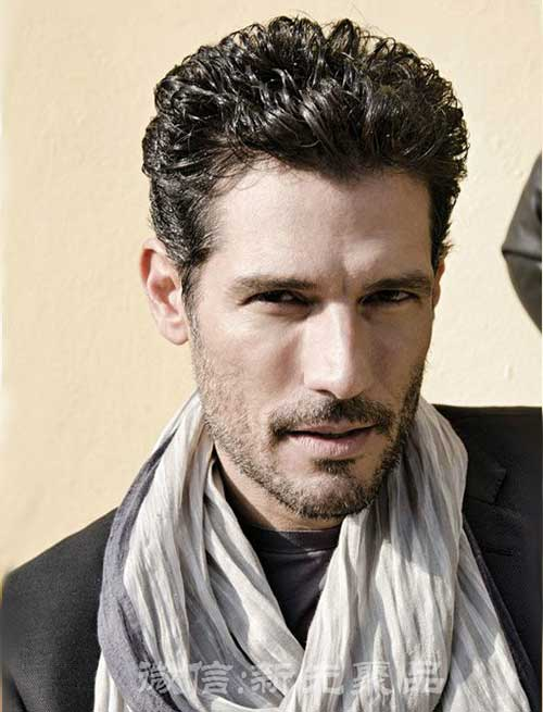 Short Curly Hairstyles for Men-8