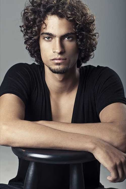 Attractive Curly Hairstyles for Guys