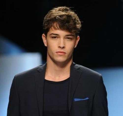 Elegant Men Simple Hairstyles