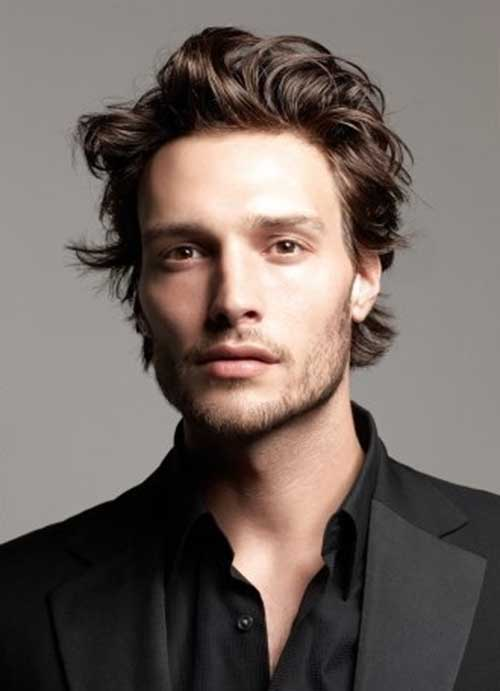 Cool Men Short Wavy Hairstyles