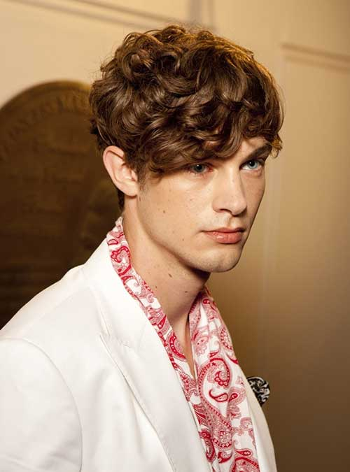 Hairstyles for Guys with Wavy Brown Hair