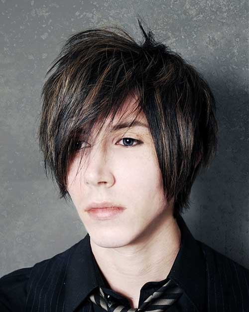Medium Emo Hairstyles Idea for Men