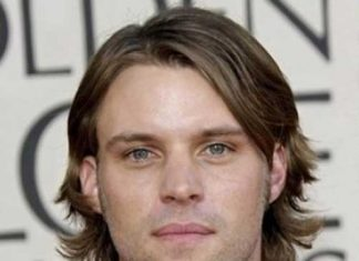 Mid Length Straight Haircuts for Men