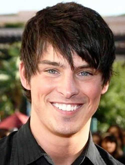 Short Straight Hairstyles for Round Faces Men