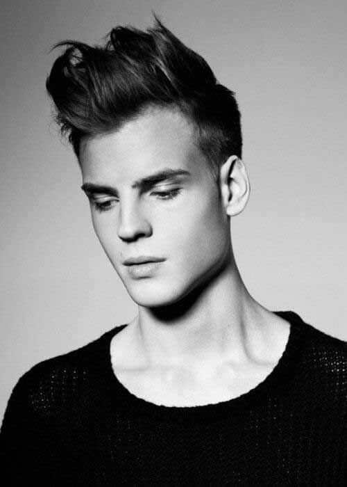 Short and Medium Haircuts for Men-15