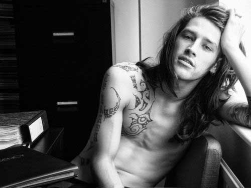 Best Cute Guys with Long Hairstyle