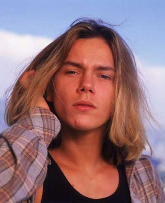 Famous Men Blonde Long Hairstyle Pics