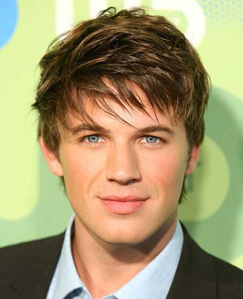 Men with Straight Hairstyle Ideas