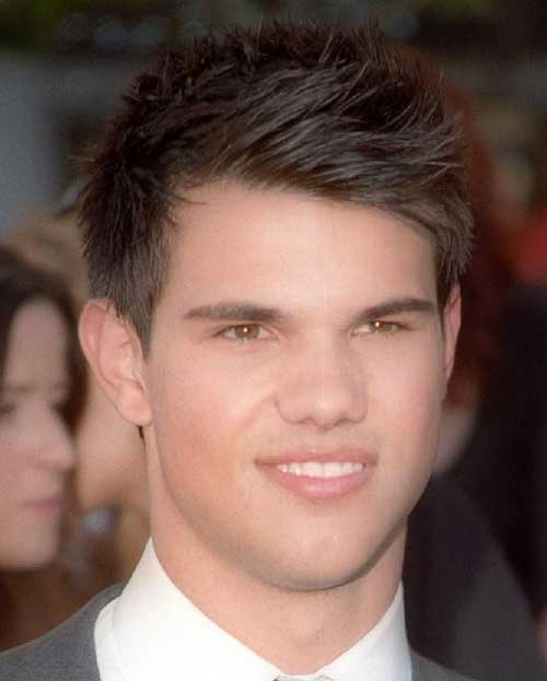 Taylor Lautner Straight Hair Style for Guys