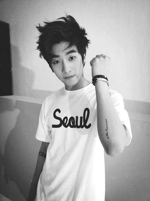 Korean Dark Messy Hairstyle