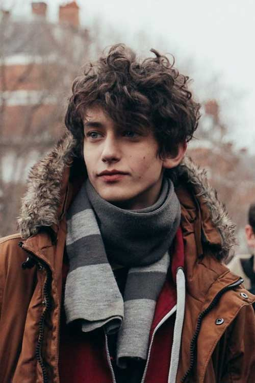 Haircuts for Men with Curly Hair-8