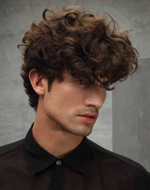 Haircut for Wavy Hair Men