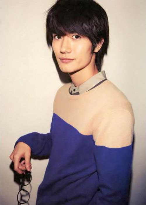 Japanese Straight Hairstyles for Men