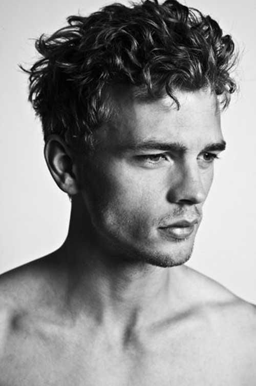Men Medium Curly Hair Style