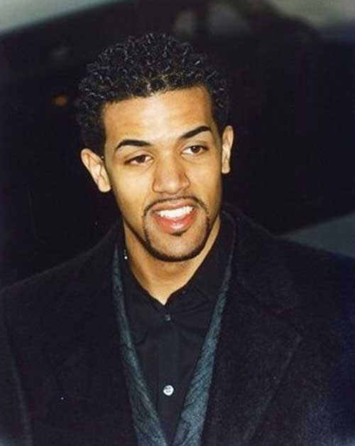 Short Curly Hairstyles for Black Men-15