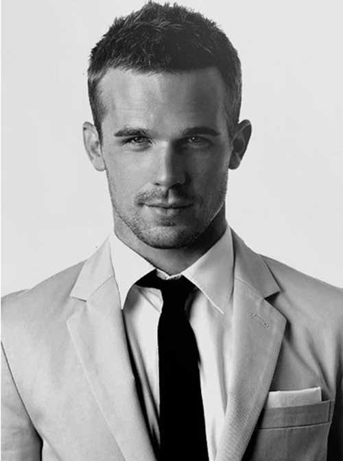 Good Short Haircuts for Guys-22