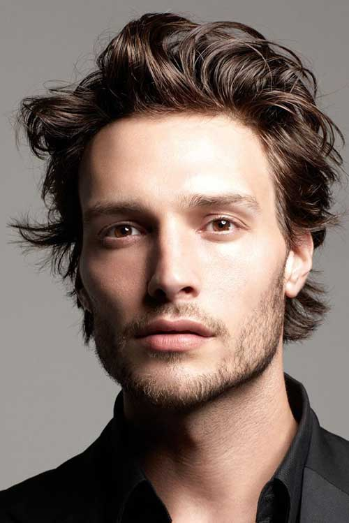Hairstyles for Wavy Hair Men-12