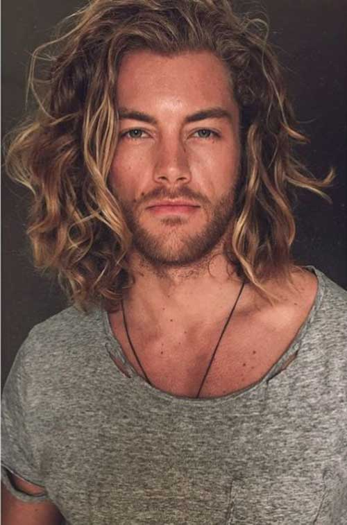 Hairstyles for Wavy Hair Men-14