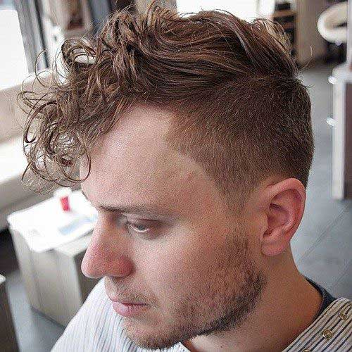 Hairstyles for Wavy Hair Men-15
