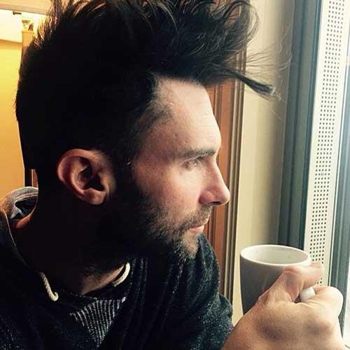 Adam Levine Hairstyles-20