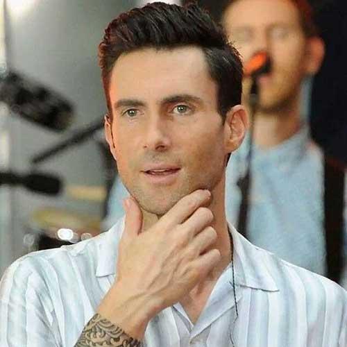 Adam Levine Hairstyles-21