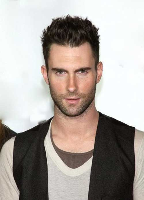 Adam Levine Hairstyles-23