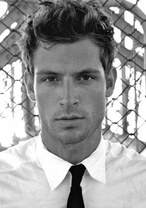 Hairstyles for Wavy Hair Men-23