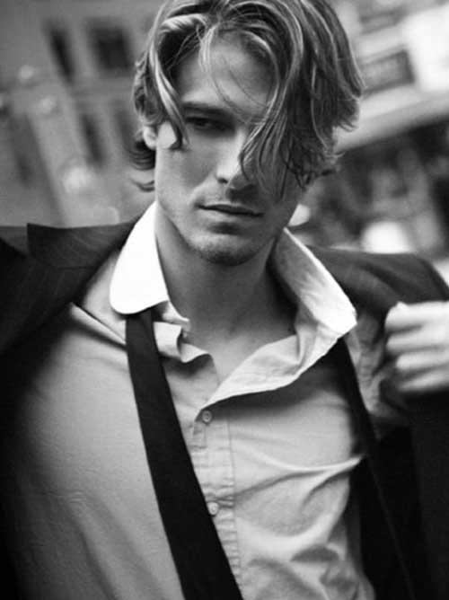 Hairstyles for Wavy Hair Men-24