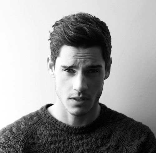 Hairstyles for Wavy Hair Men-25