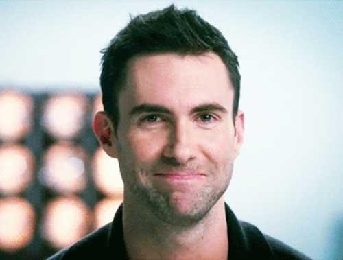 Adam Levine Hairstyles-9