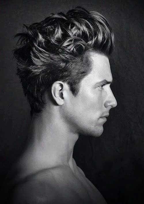 Hairstyles for Wavy Hair Men-9