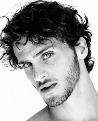 Best hairstyle for men with thick wavy hair